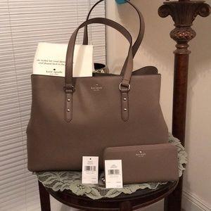 Kate Spade Larchmont Ave Lg Evangelie & Wallet Set
